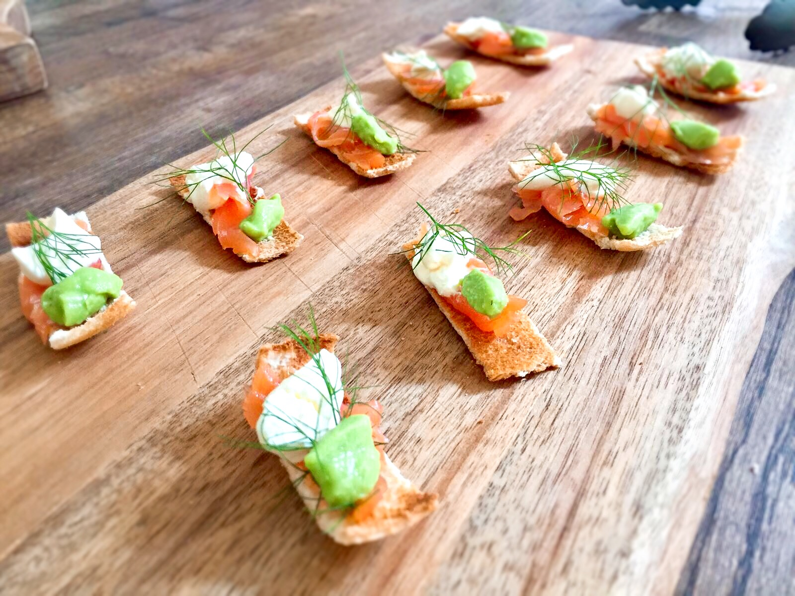 personal chef in stawley Smoked salmon On melba toast with pea panna cotta and crème fraiche